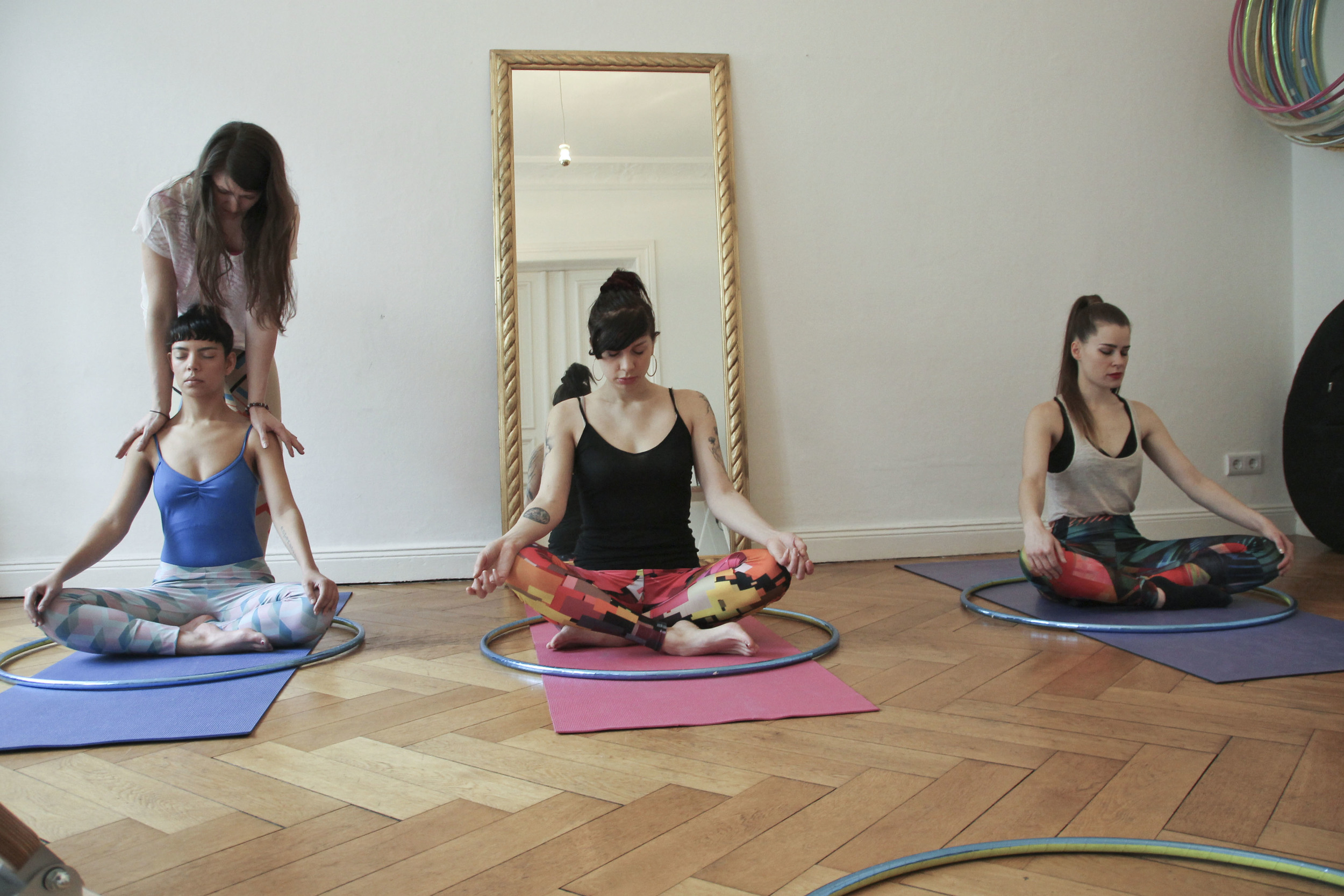 hoop yoga rebecca halls berlin1215.jpg