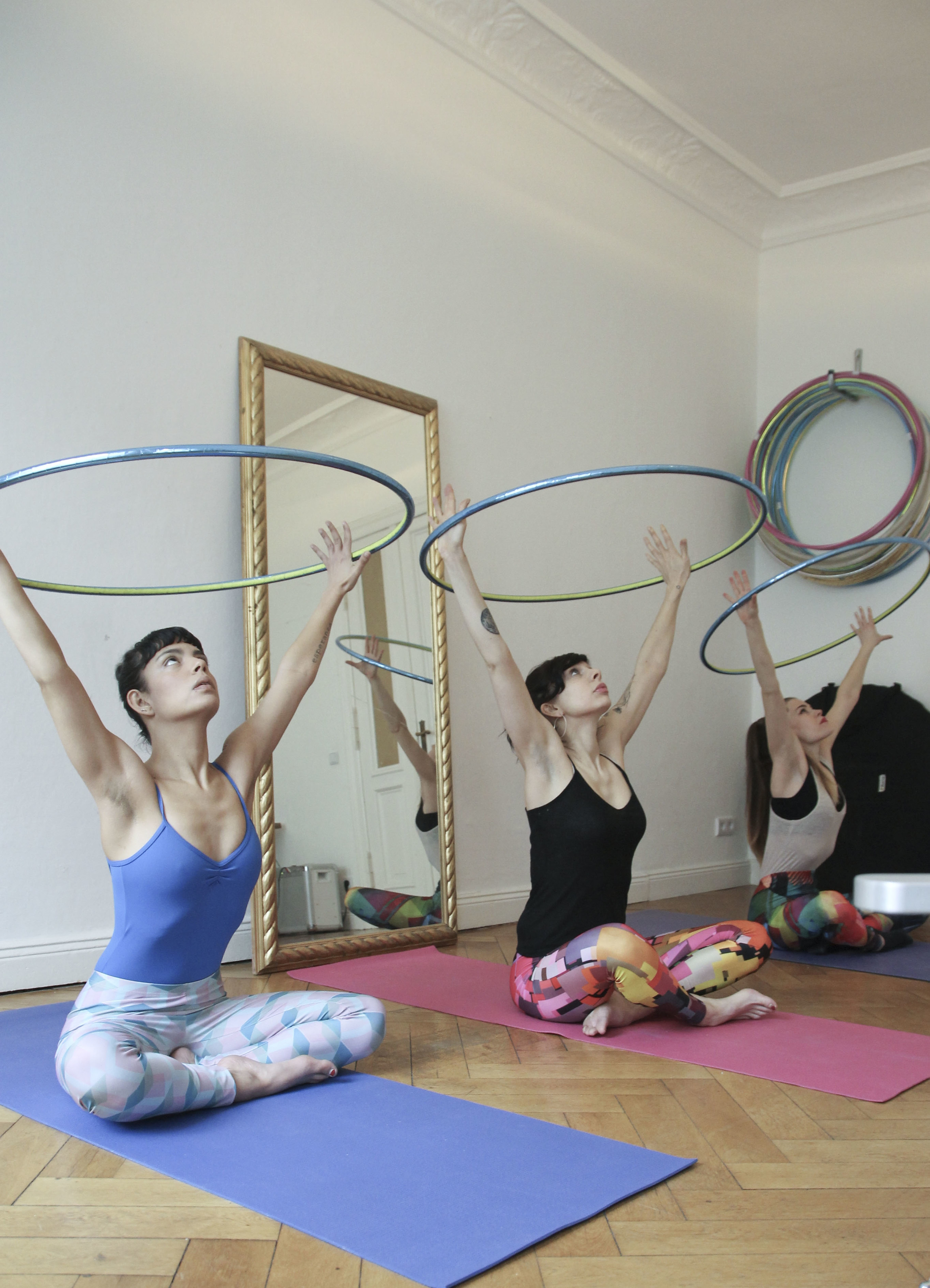 hoop yoga rebecca halls berlin1214.jpg