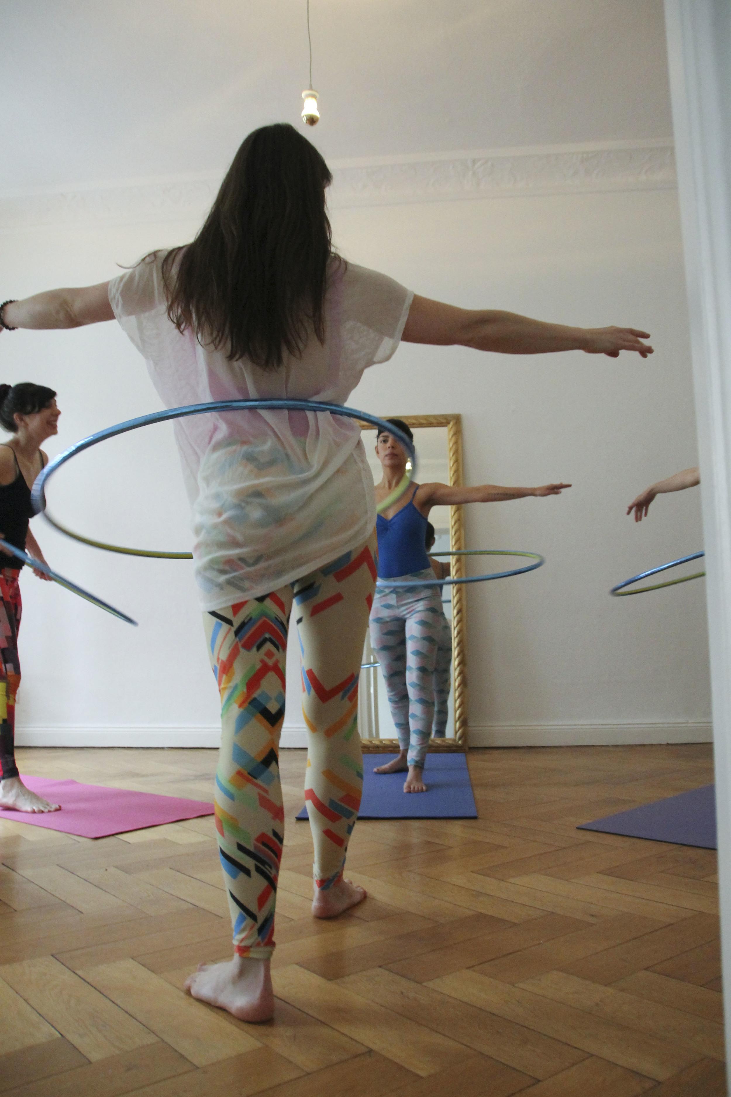 hoop yoga rebecca halls berlin1256.jpg