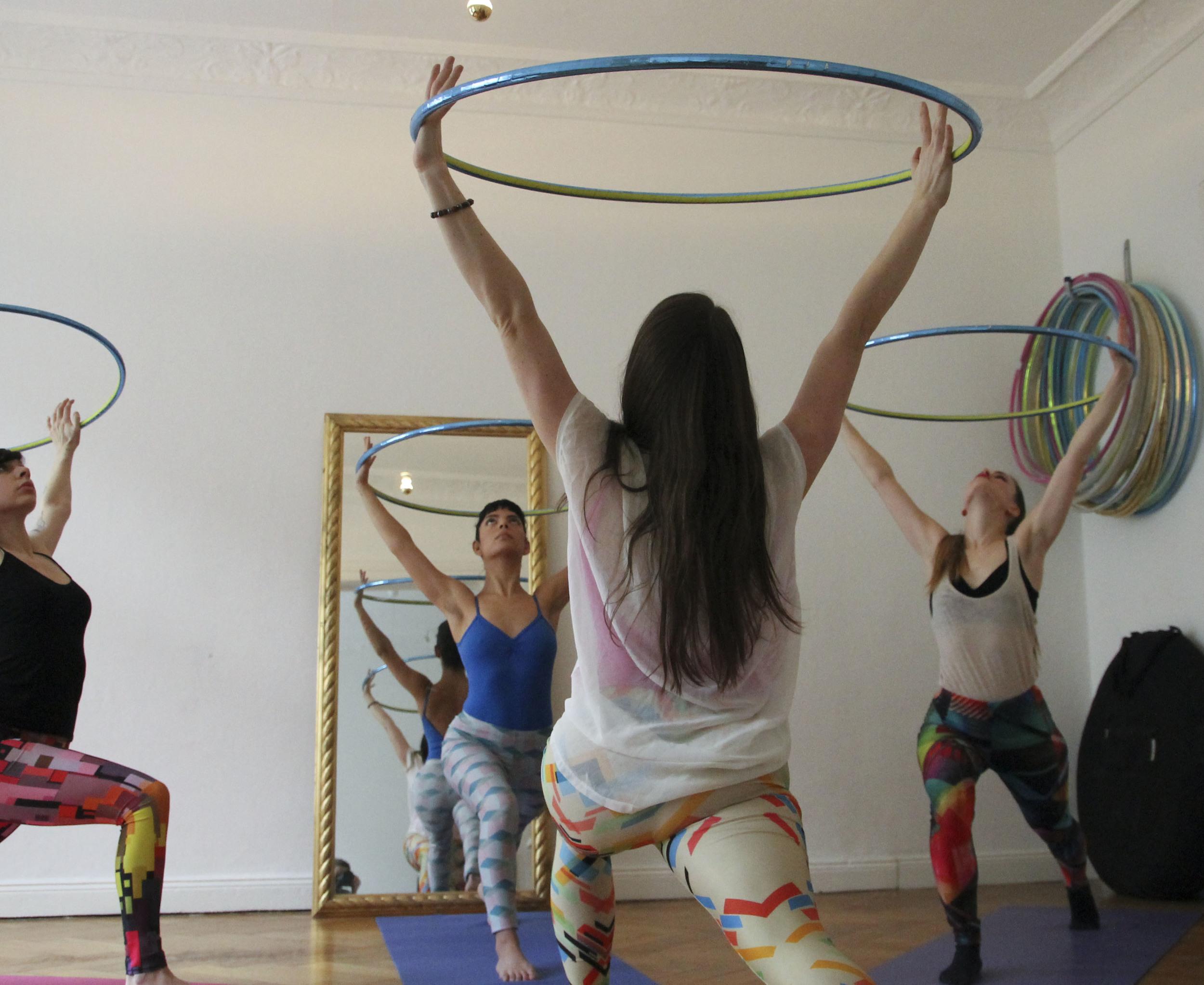 hoop yoga rebecca halls berlin1263.jpg