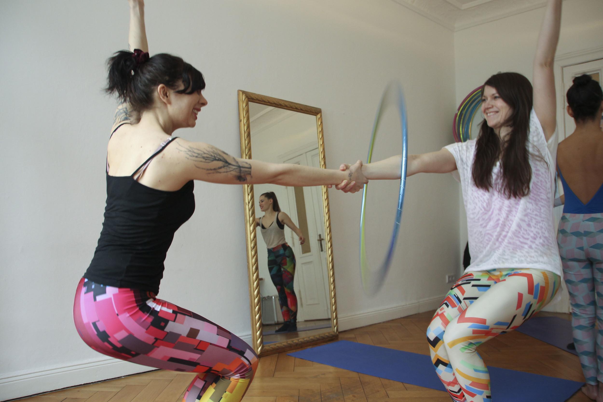 hoop yoga rebecca halls berlin1289.jpg
