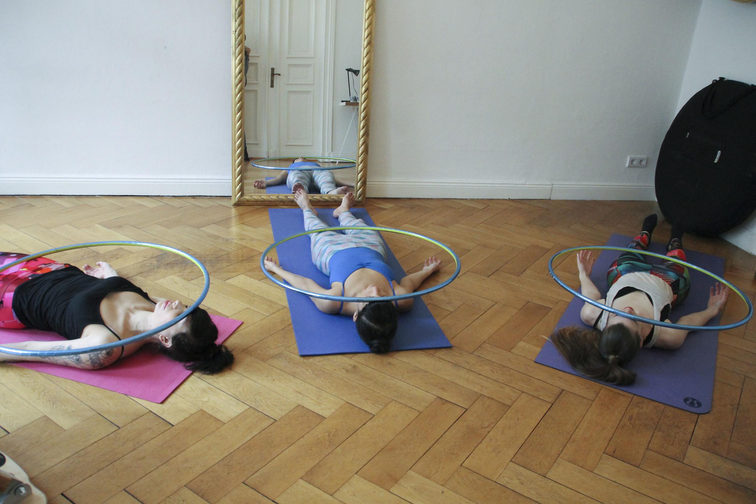 hoop yoga rebecca halls berlin1304.jpg