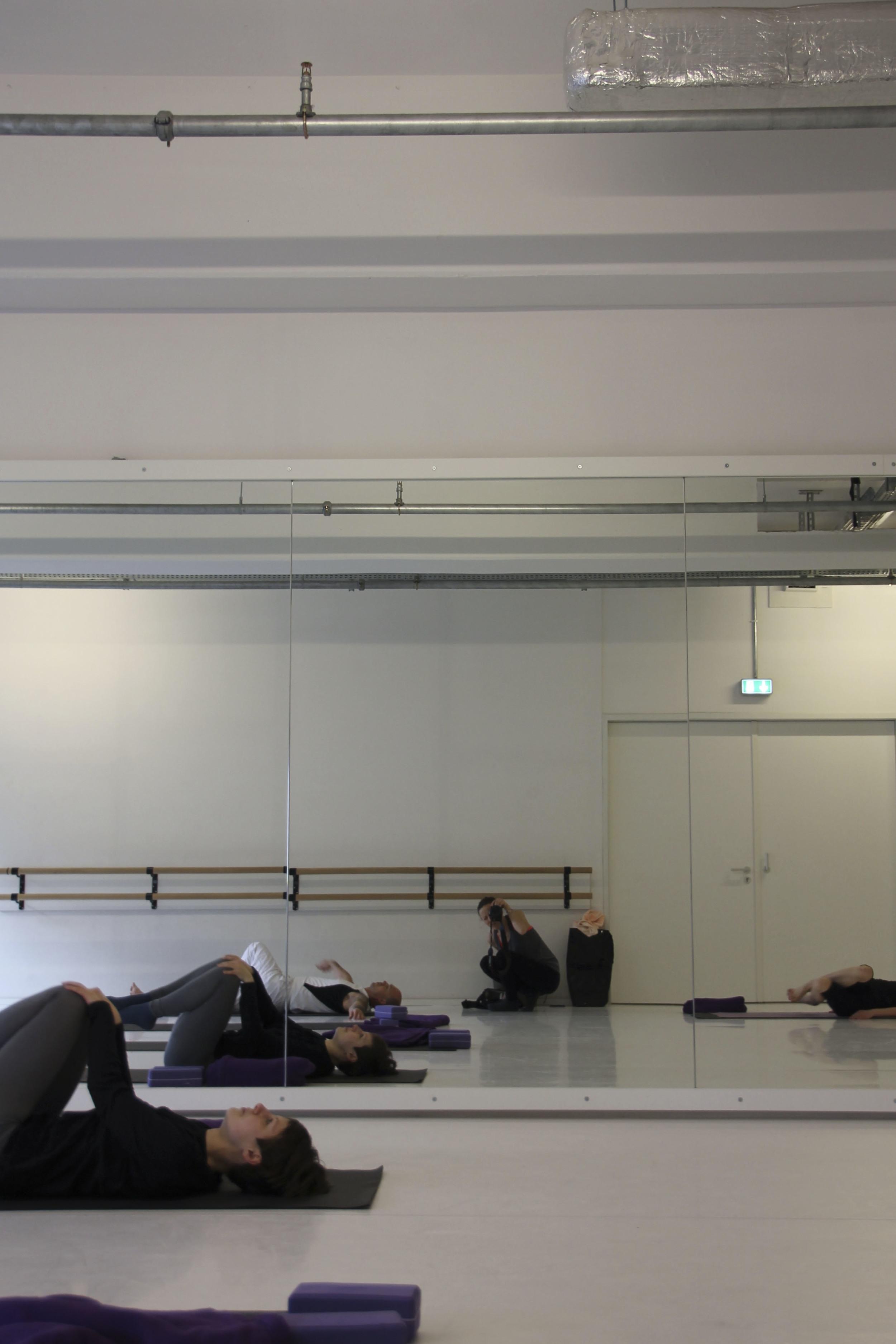 hip hop yoga berlin kreuzberg motions1360.jpg