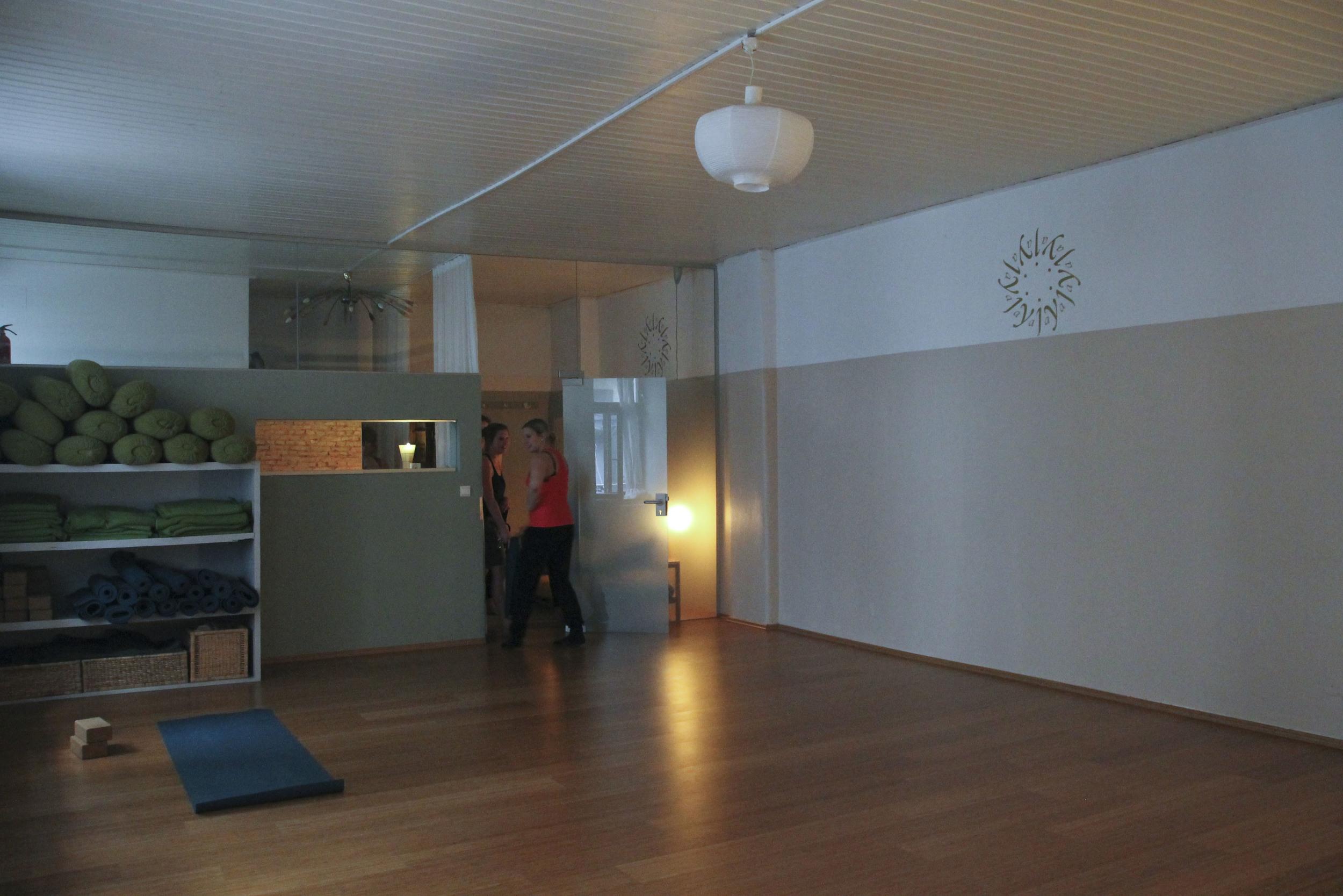 Jaya Yoga Studio Lena Kleiner1920.jpg