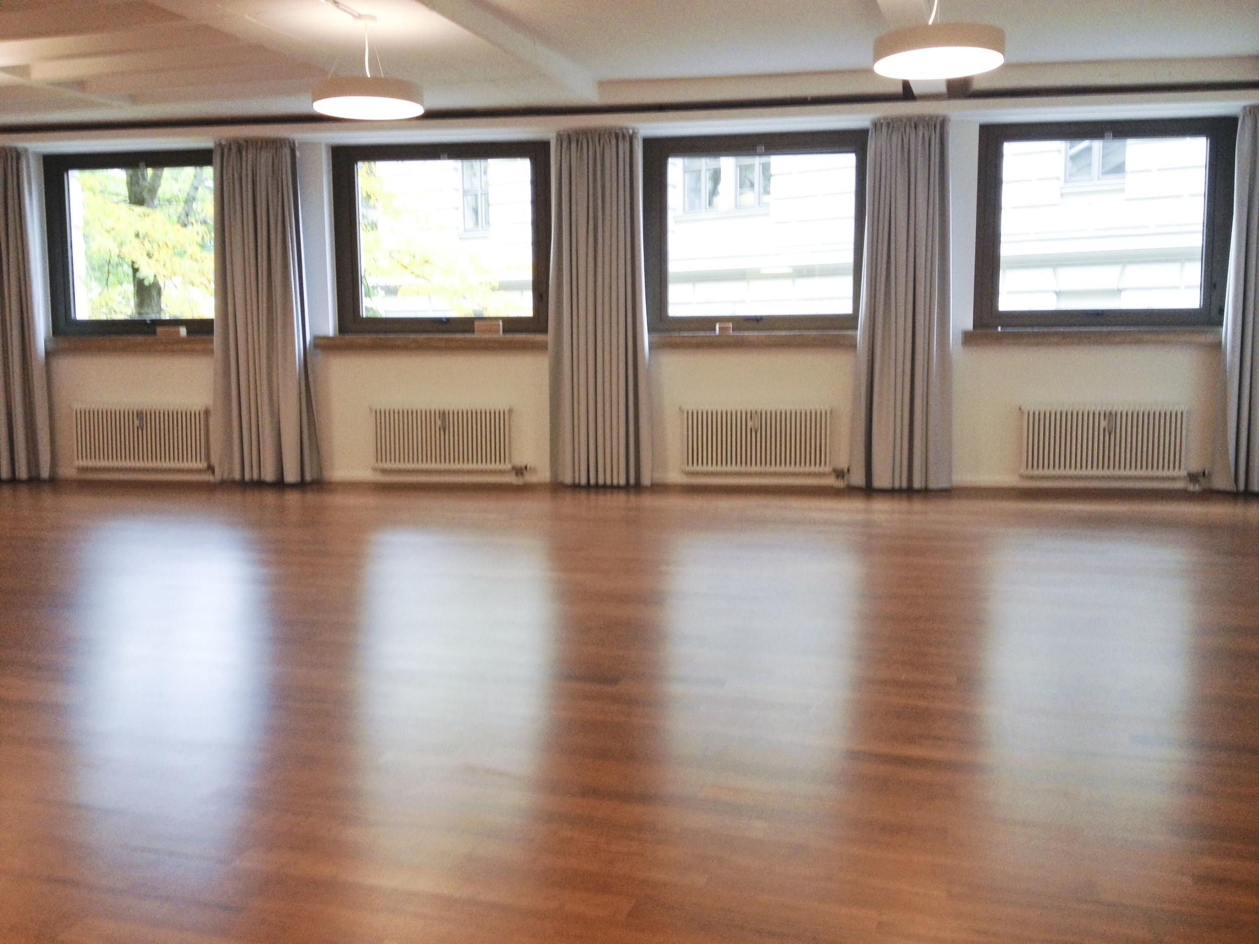 Patrick Broom Yoga, Yoga Studio, München 2175.jpg