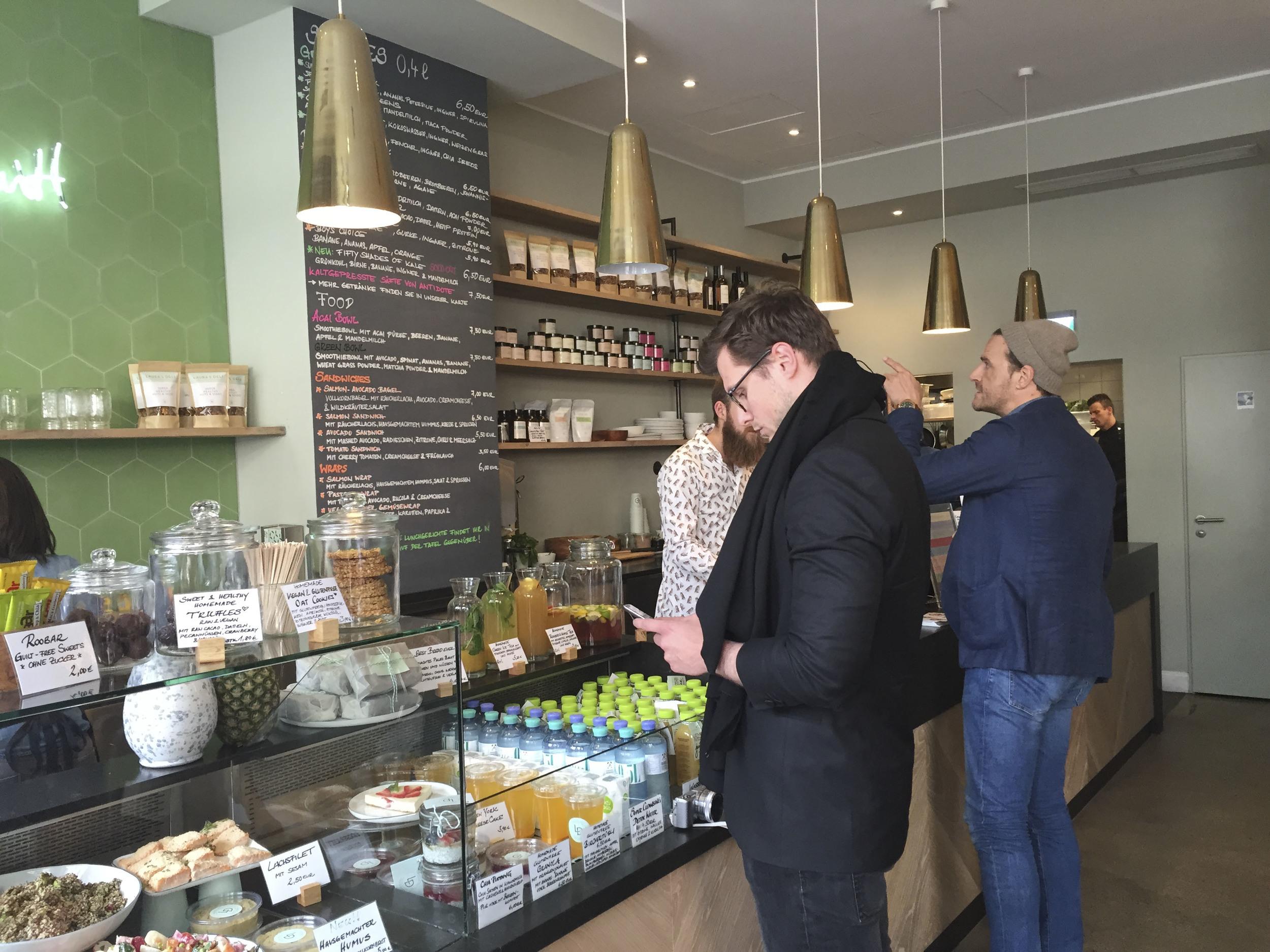 Laura's Deli, Healthy food Restaurant  Düsseldorf4217.jpg