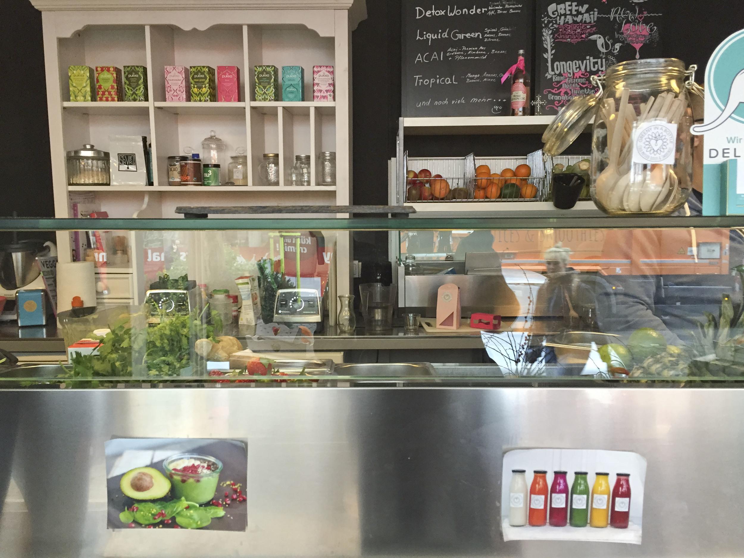 Greeny in a Bottle, Healthy food Restaurant  Düsseldorf4231.jpg