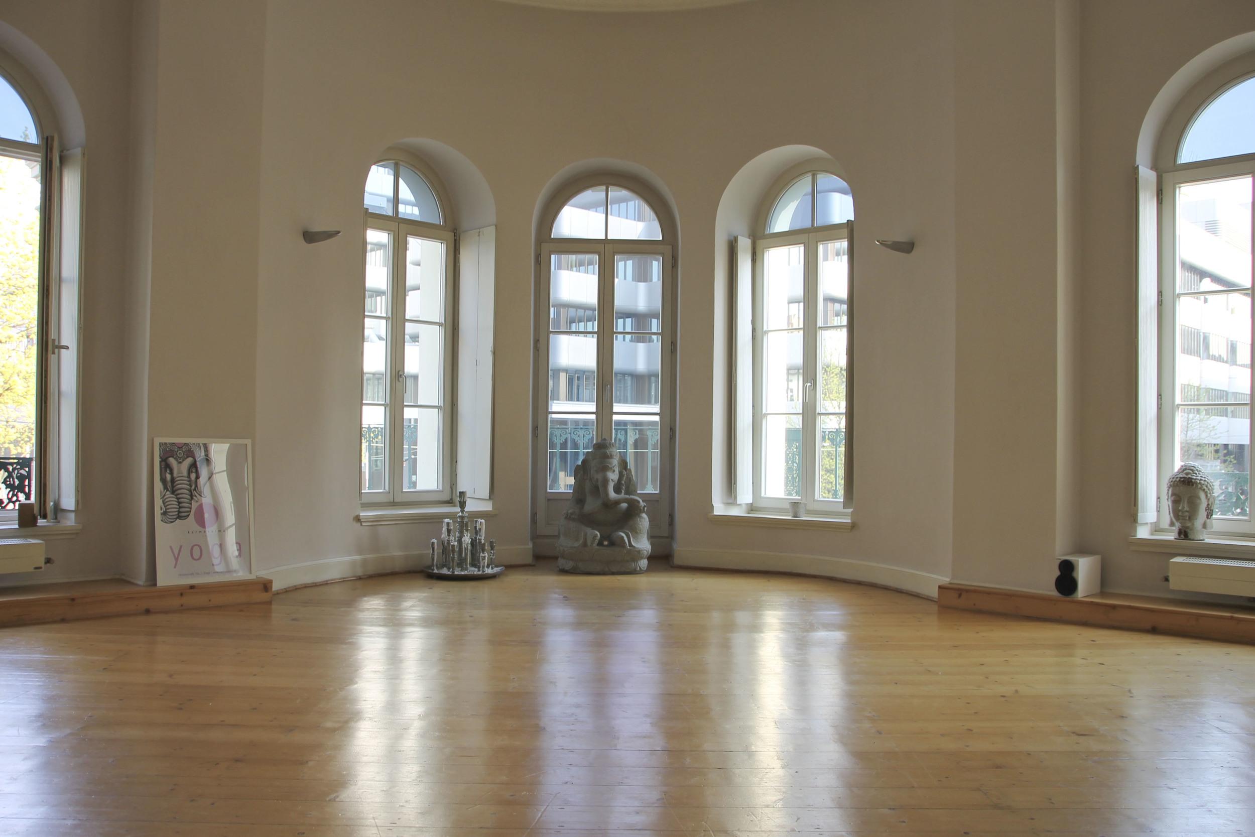 Karmakarma yoga studio Düsseldorf4179.jpg