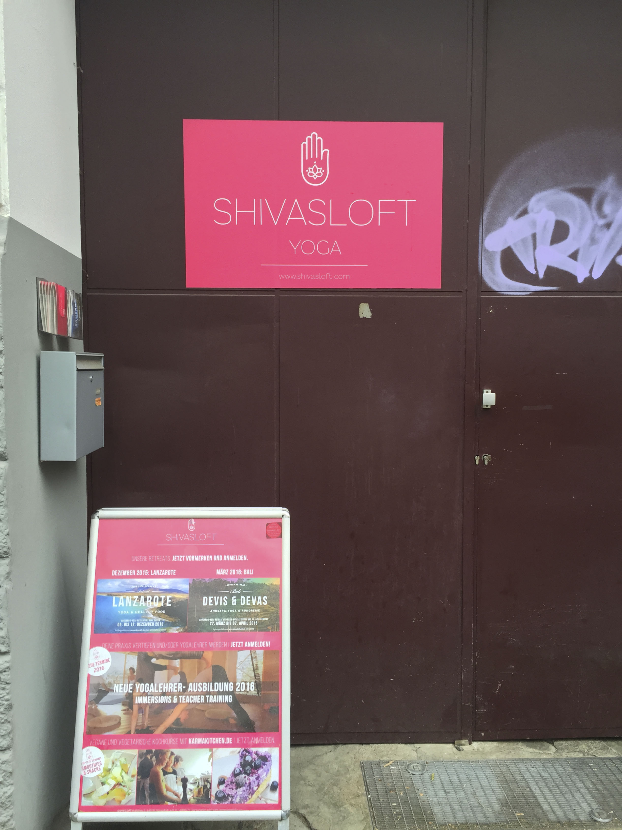 Shivasloft Yoga Studio Düsseldorf Anusara4189.jpg