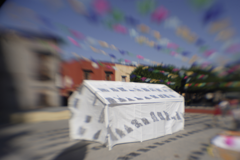 La Tienda Blanca (The White Tent)