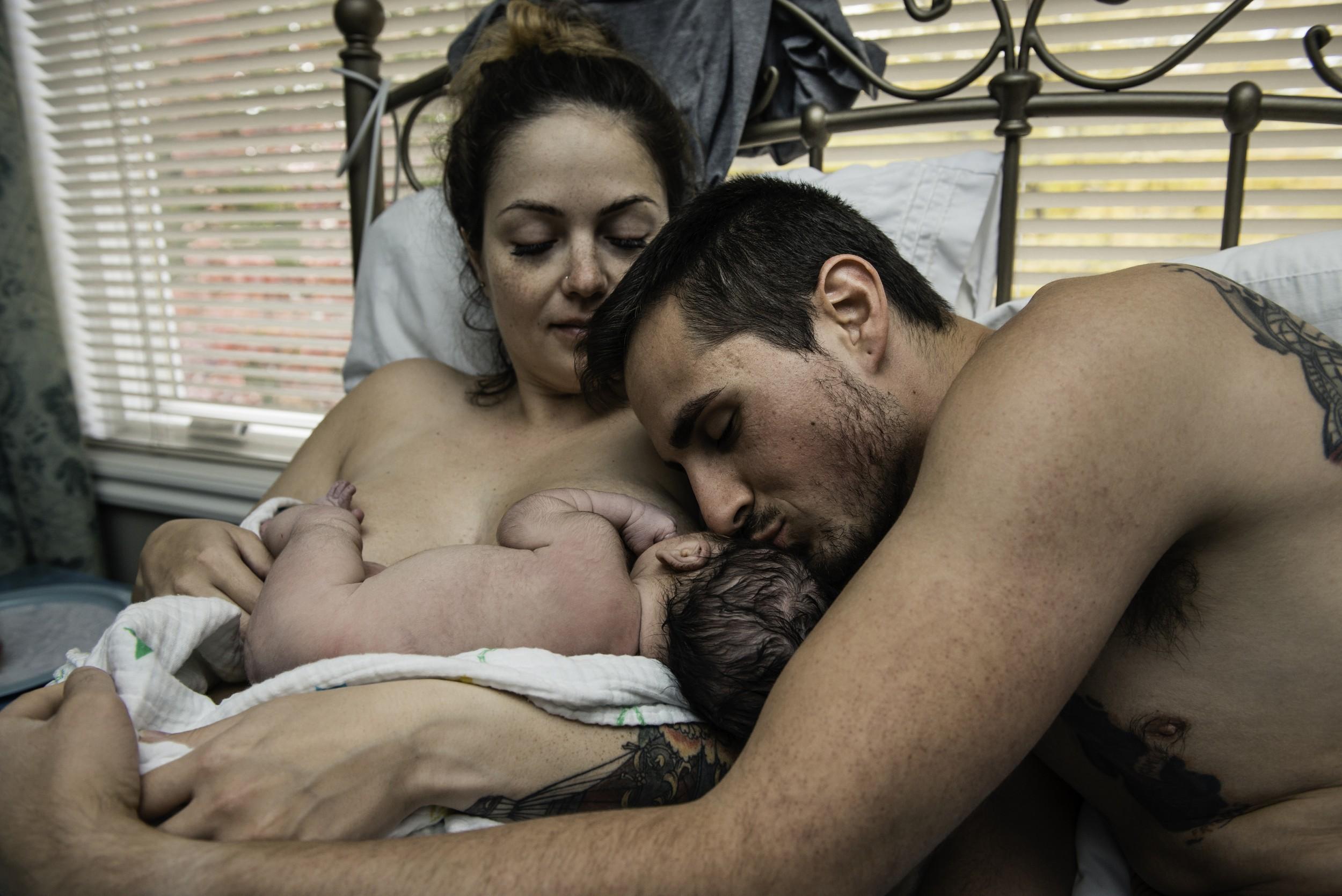 A-waterbirth-story-at-the-birth-center-in-Murray-utah-salt-lake-city-birth-photographer-birth-videography,-natural-birth,-homebirth-67.jpg
