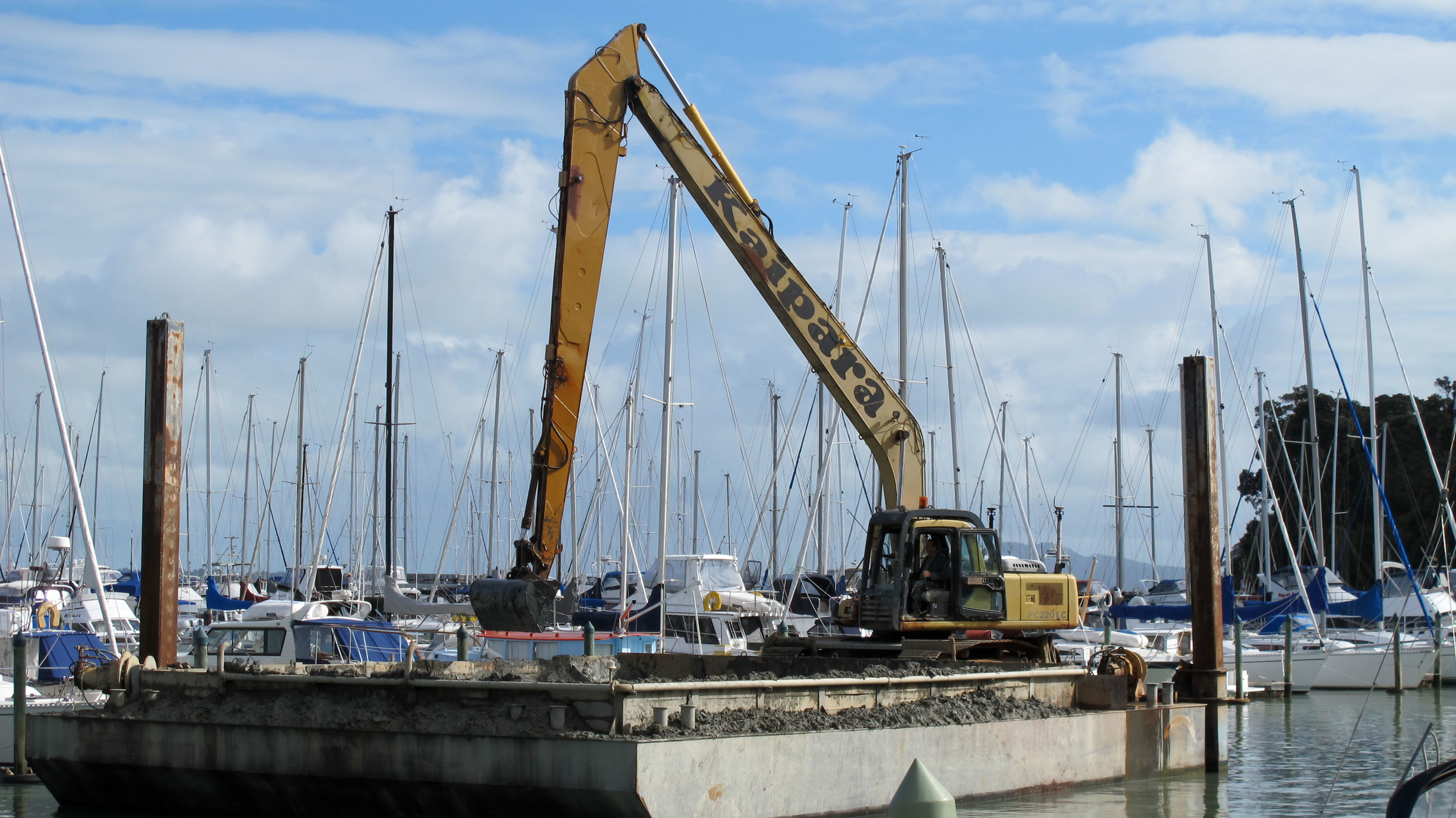 Dredging 02 May 2013 (4 of 74).jpg