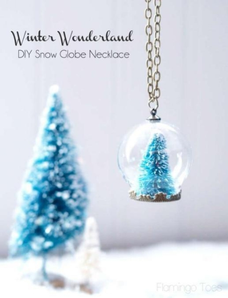 Winter-Wonderland-DIY-Snow-Globe-Necklace.jpg
