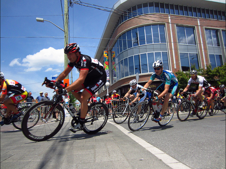Rich Cornering in the Pack