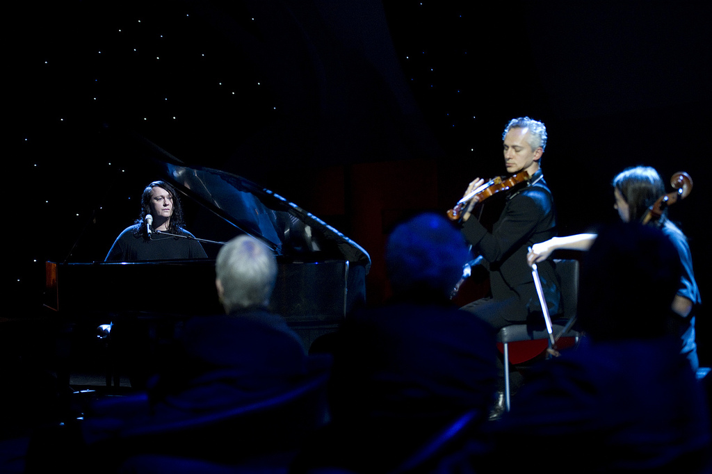 Maxim performs with Antony & the Johnsons