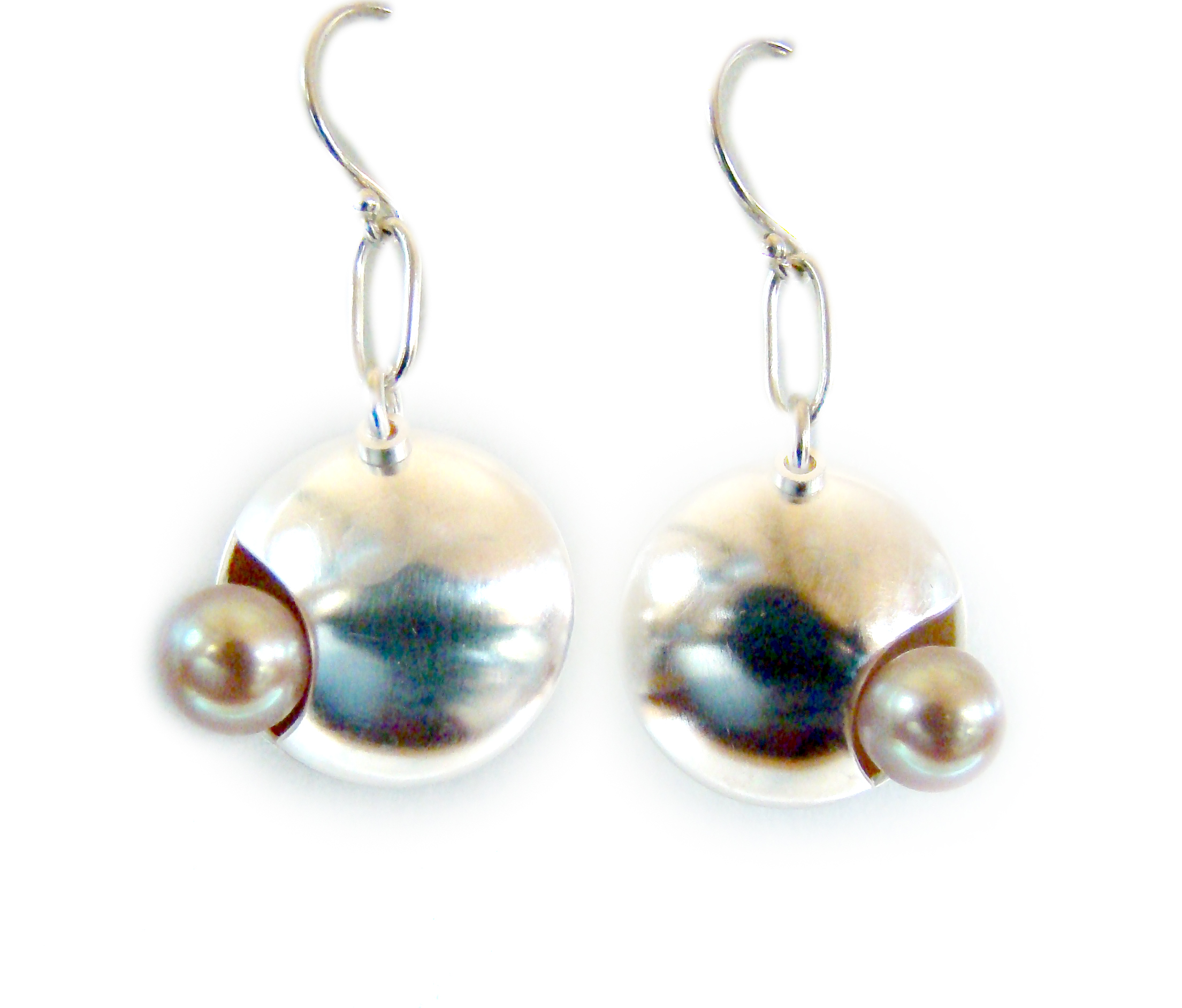 Pearl Earrings.jpg