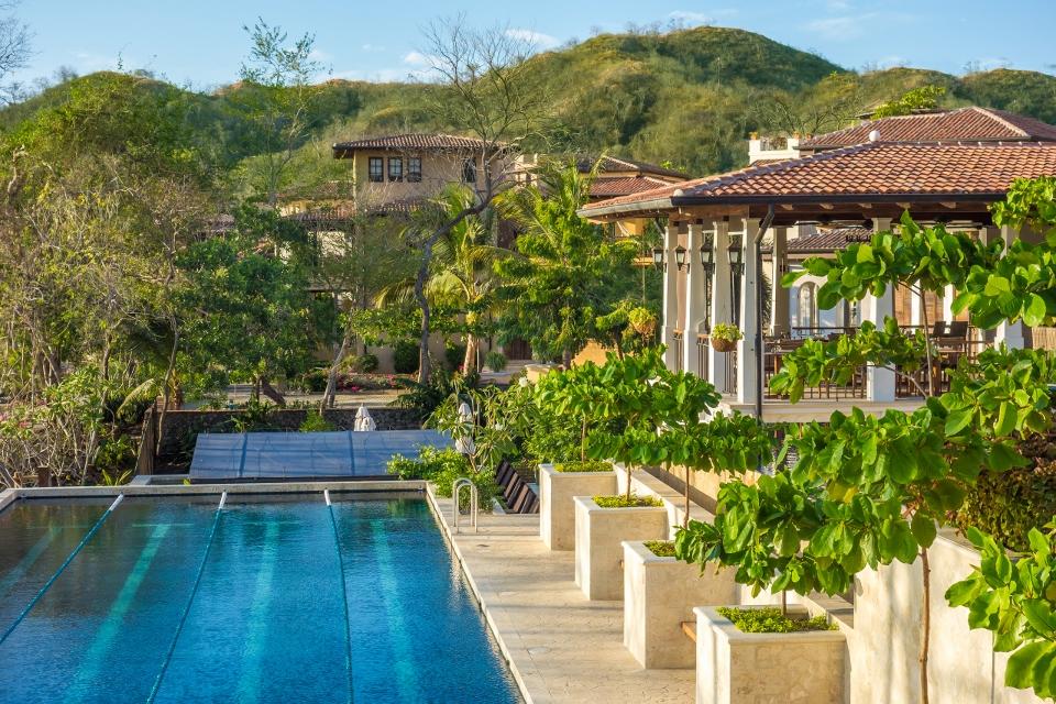 Catalinas 4 Lane 25m Pool.jpg