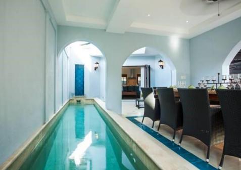 Las Catalinas Indoor Pool.PNG