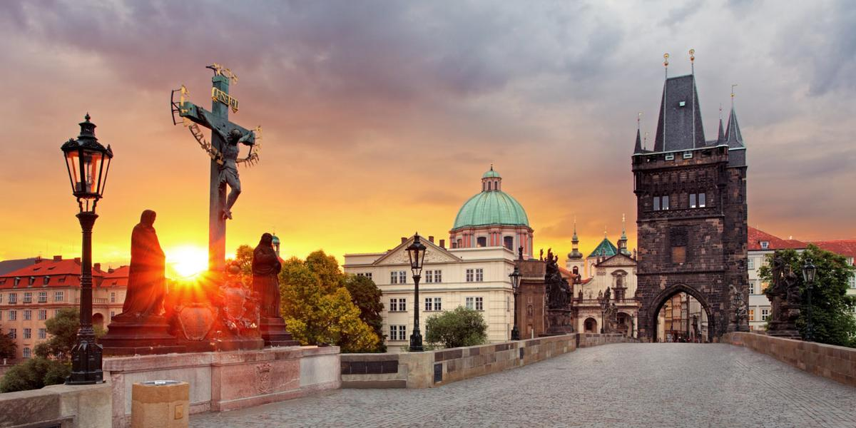 The iconic Charles Bridge, at our doorstep!