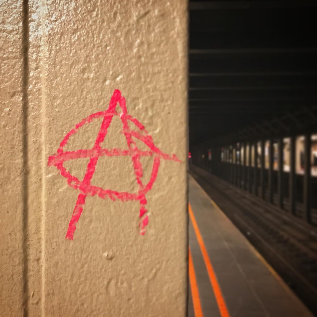 anarchy-subway.jpg