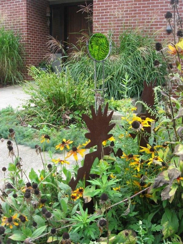 Garden Art-Ferns-distant.jpg