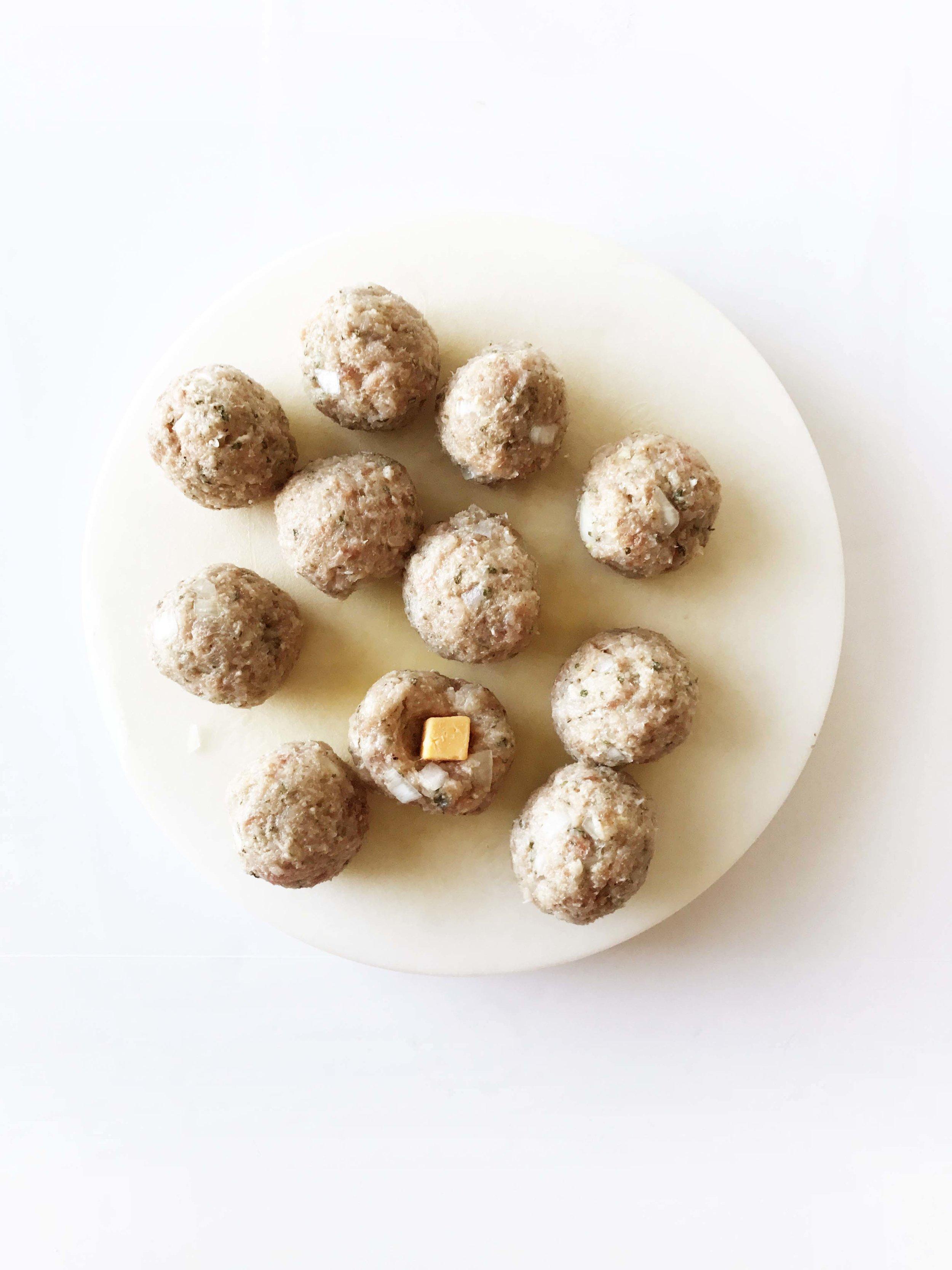 juicy-lucy-meatballs3.jpg
