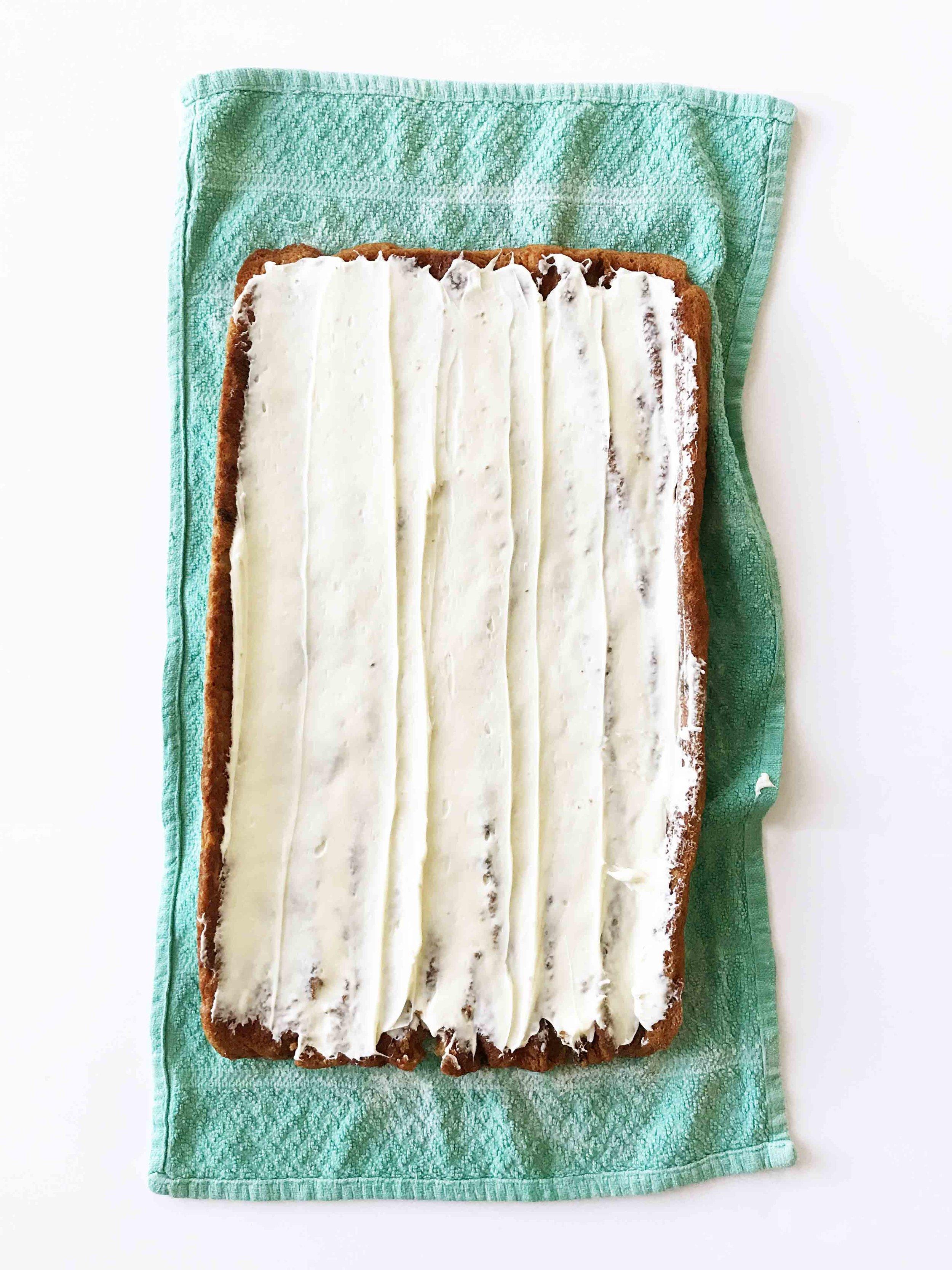 skinny-carrot-cake-roll7.jpg