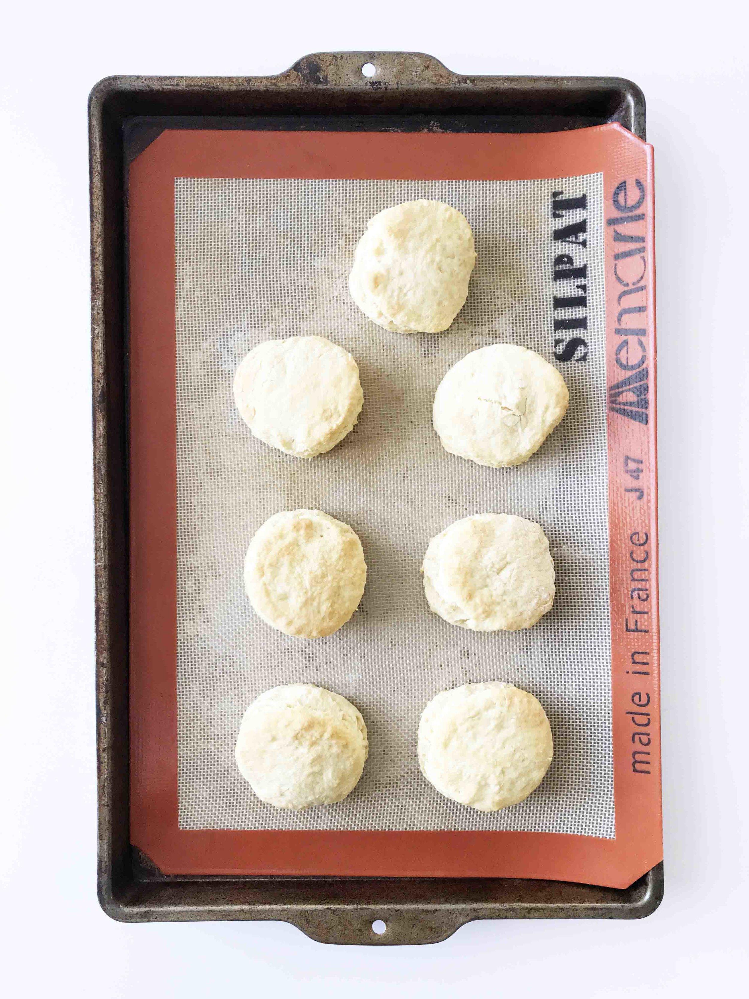 vegan-biscuits-gravy10.jpg