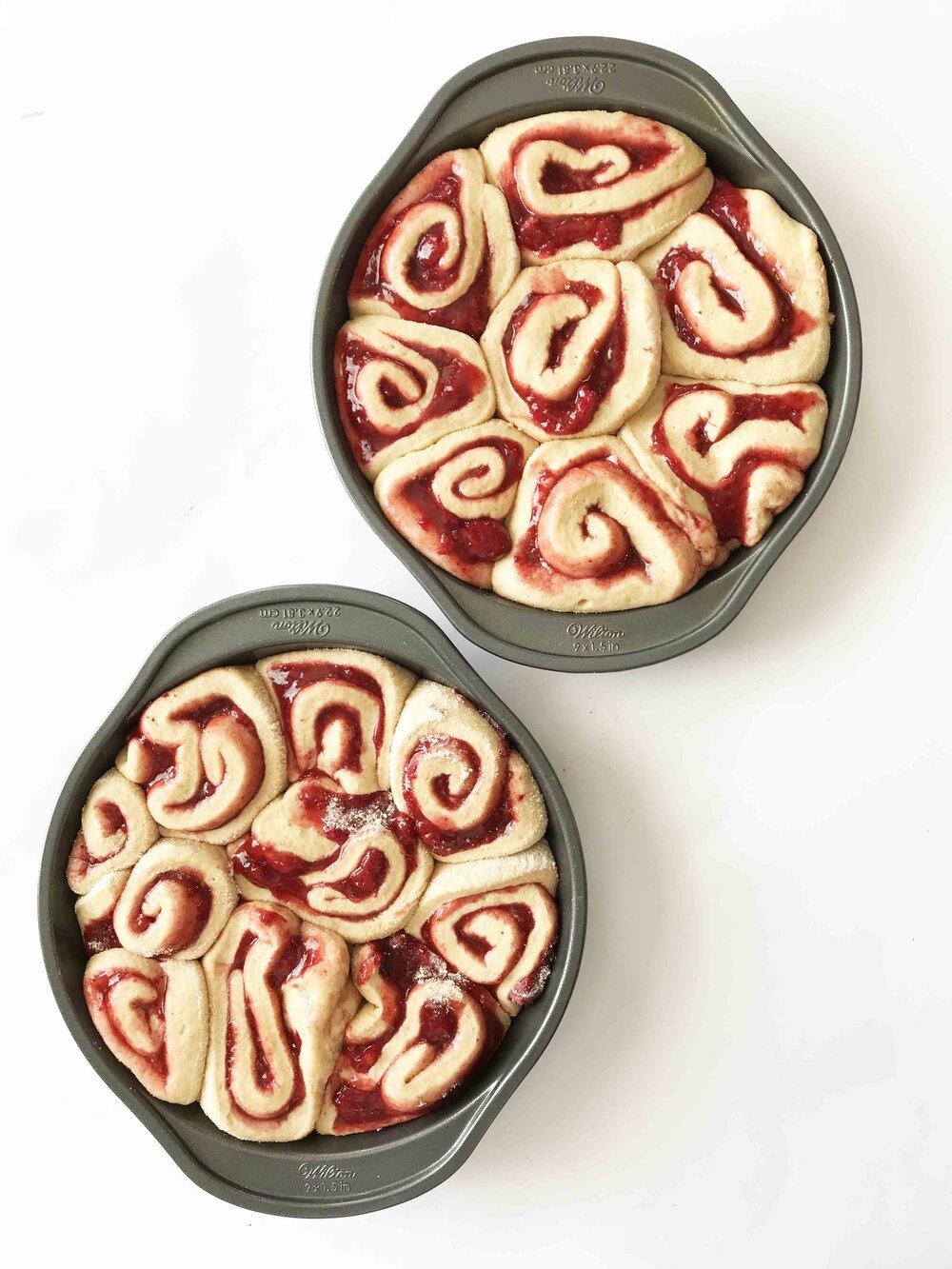 strawberry-cinnamon-rolls10.jpg
