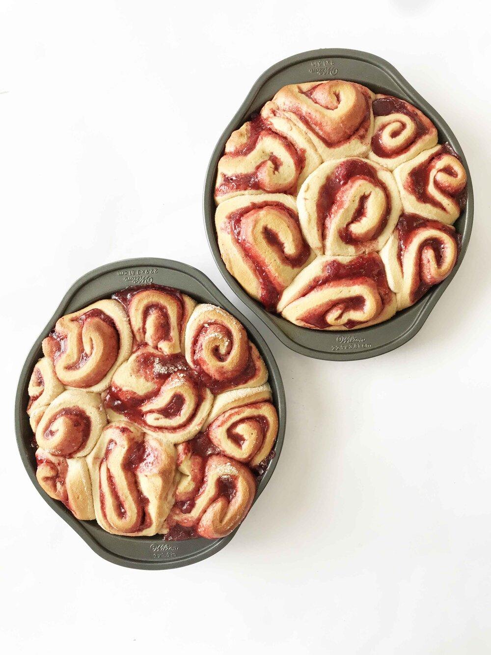 strawberry-cinnamon-rolls12.jpg