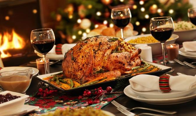 holiday-dinner-stock-680uw.jpg