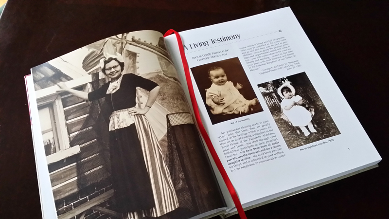 """Opening pages of Daryl Hoole's autobiography, """"A Living Testimony."""""""