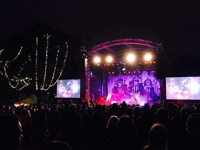 The living end Twangin' at twilight @melbournezoo @thelivingendaus #zootwilights #rockandroll