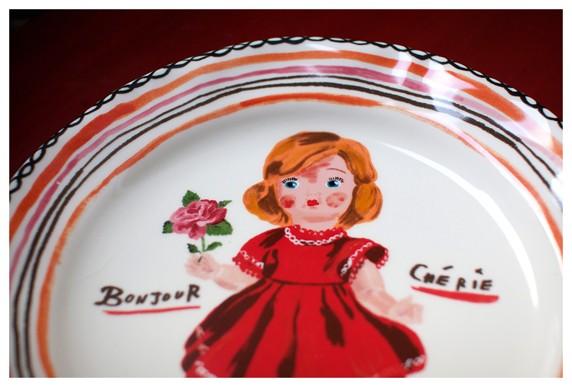Can we take a hot minute to appreciate the adorable plate I got for my Birthday? It's like a little me, but cuter and Frencher.