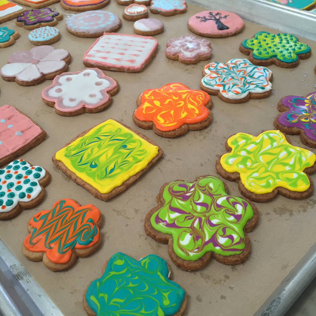 Freestyling with cookie decorating