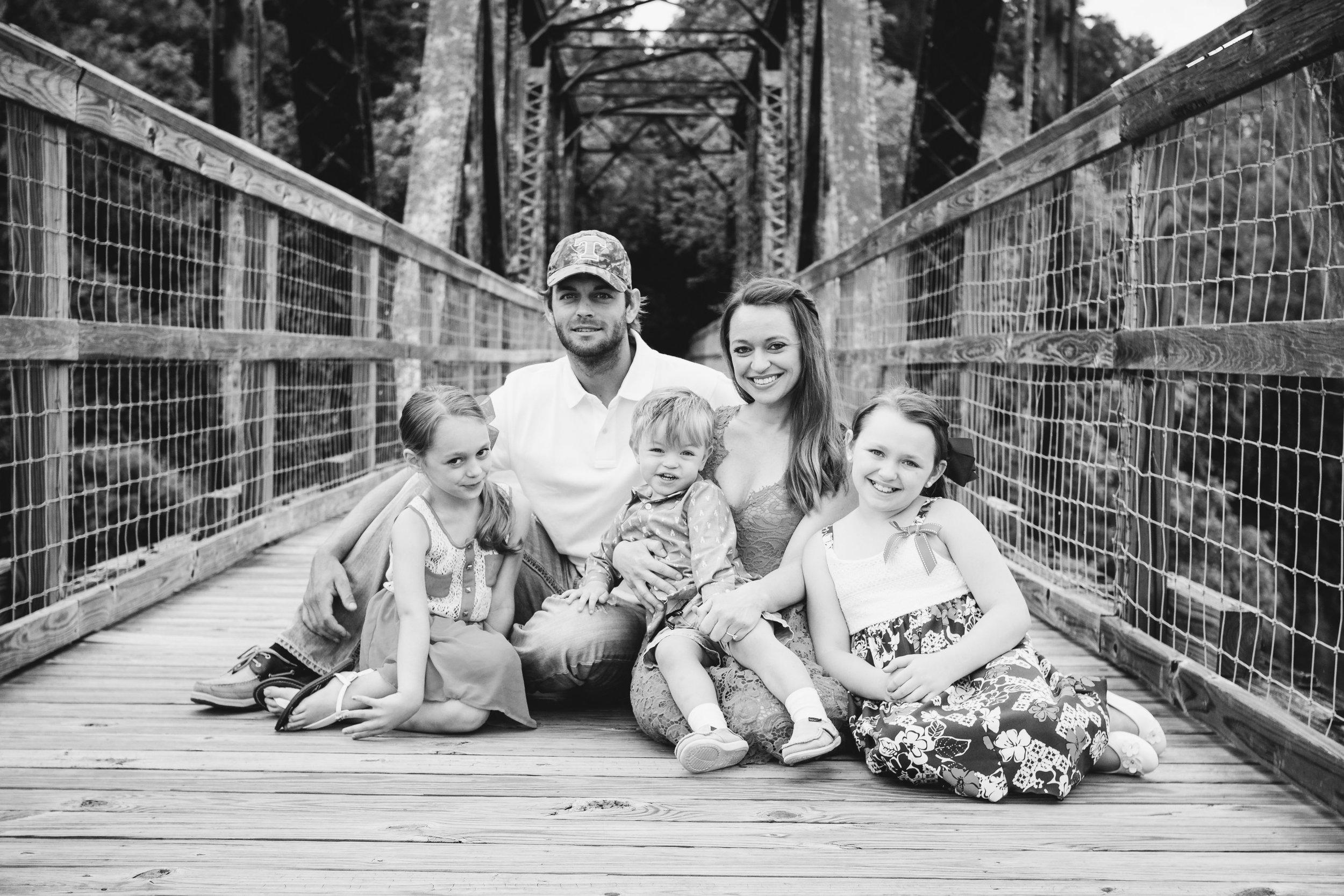Amanda Mark Family-April 2017-0038.jpg