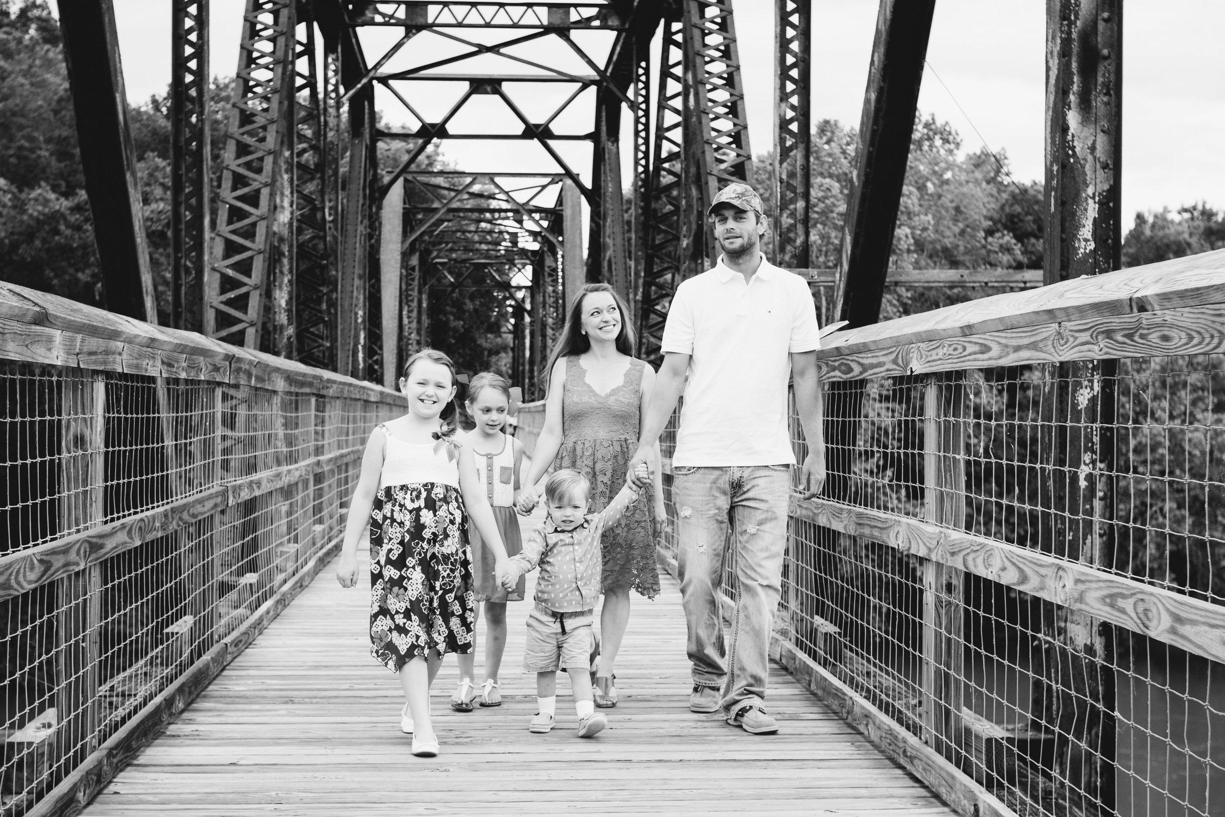 Amanda Mark Family-April 2017-0004.jpg