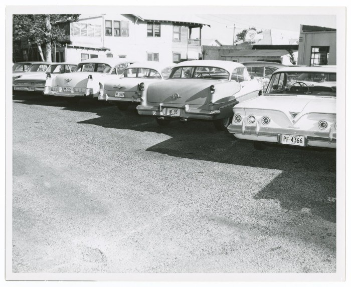 Photo 20- View of vehicles near the Tippit crime scene.jpg