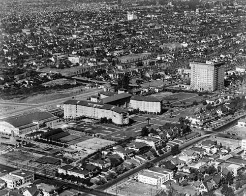 Photo 1-Aerial view of the Ambassador Hotel (1920s).jpg