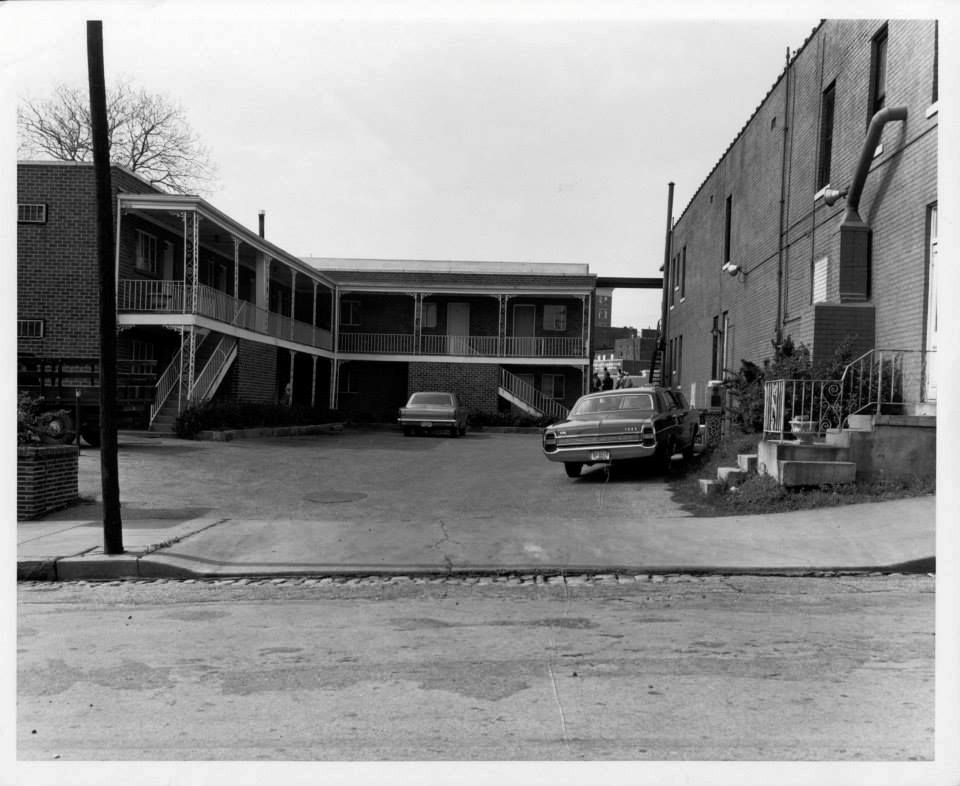 Photo 35- Lorraine Motel, office at the right.jpg
