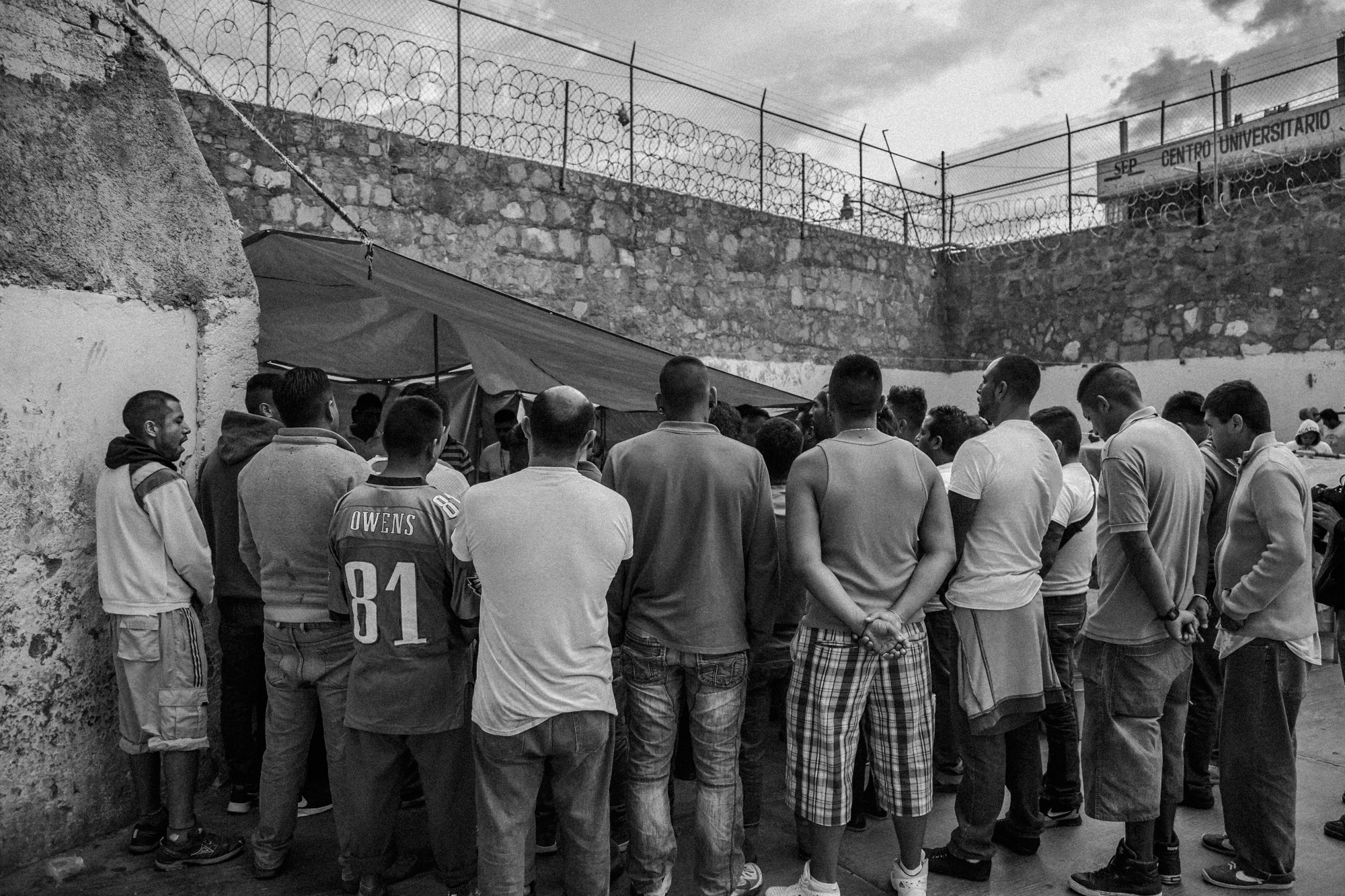 Prison-Santa_Muerte-2.jpg