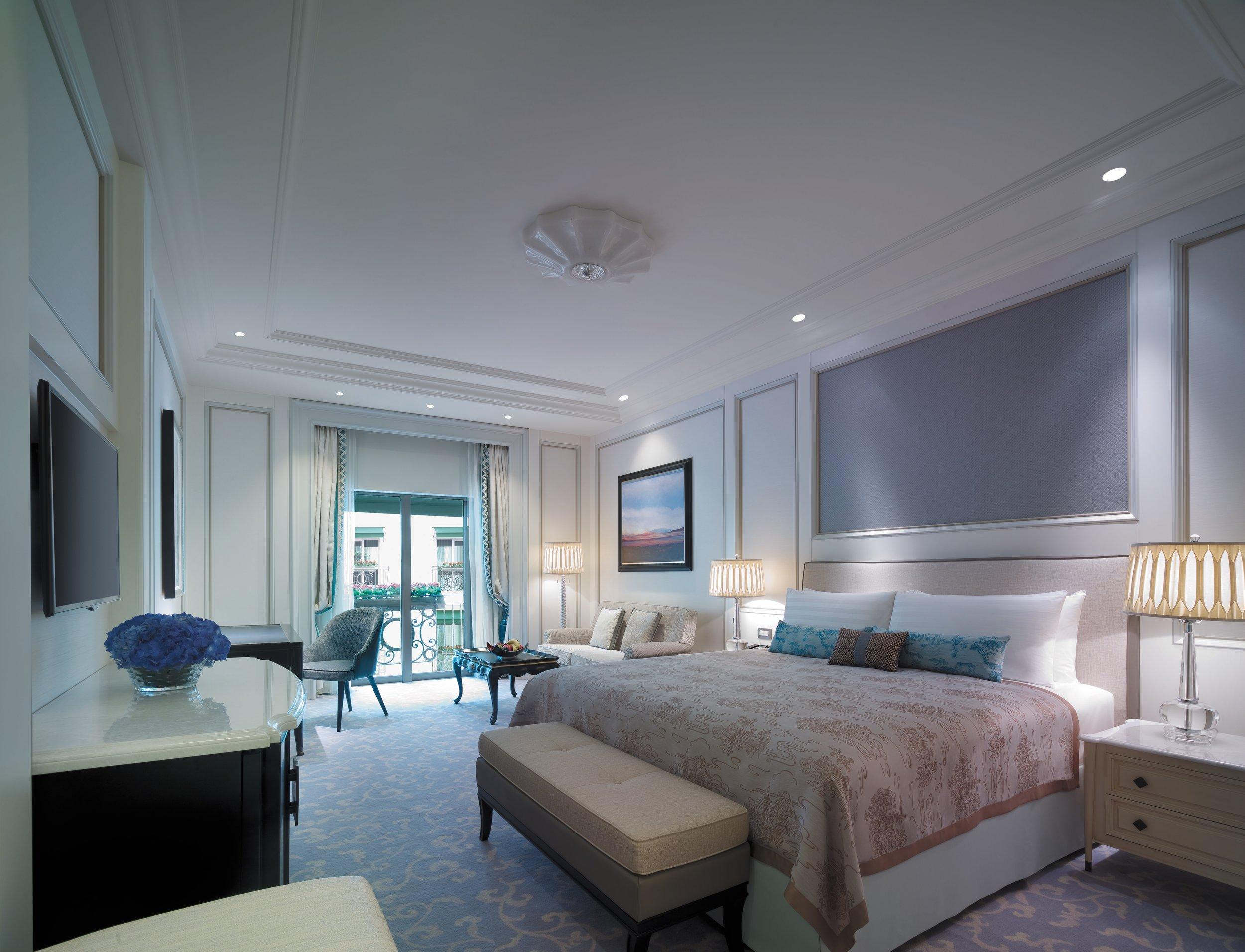 GUEST ROOM @ BOSPHORUS SHANGRI-LA, ISTANBUL