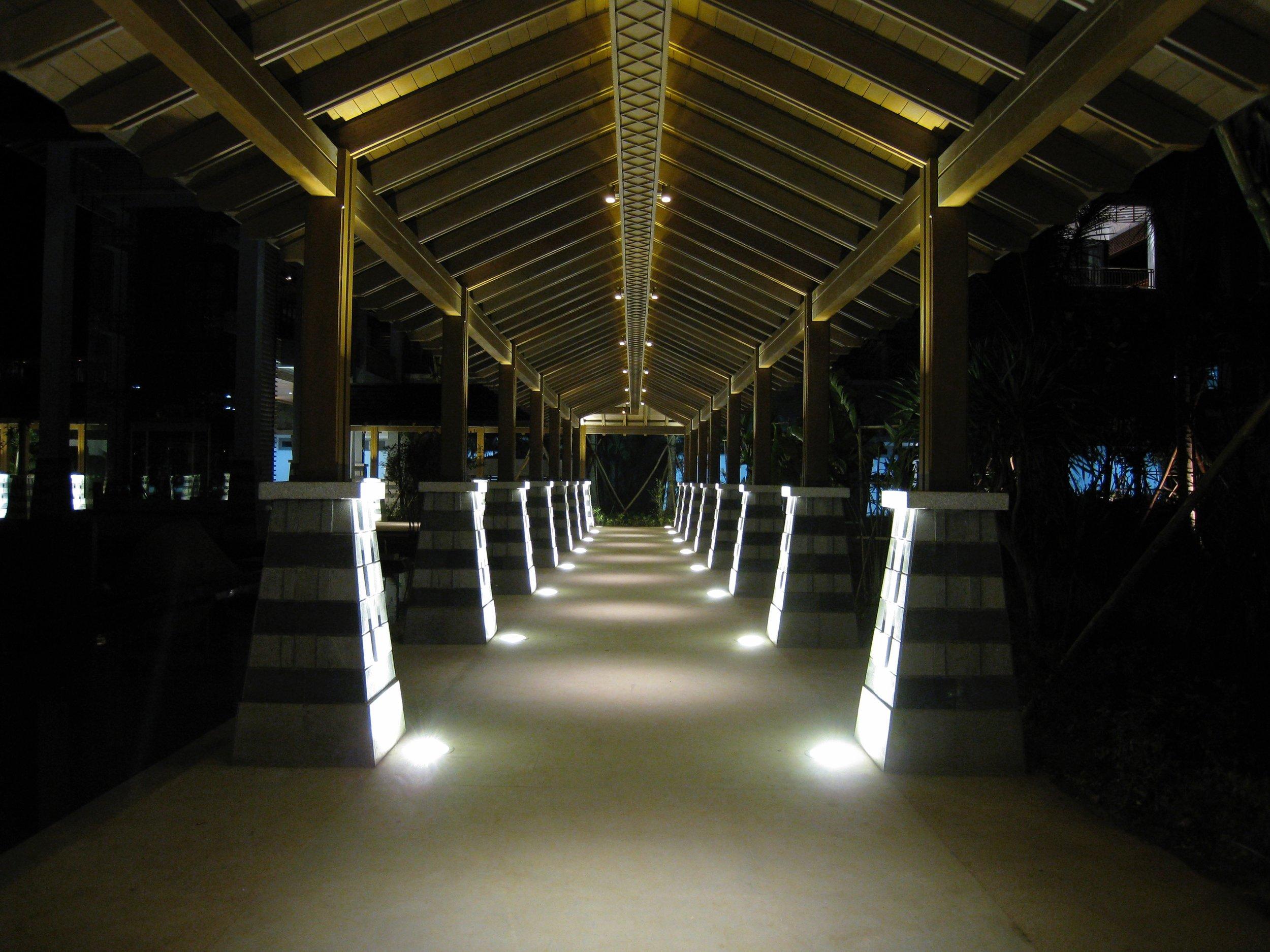 COVERED WALK WAY @ LE MERIDIEN SHIMEI BAY, HAINAN ISLAND, PRC.