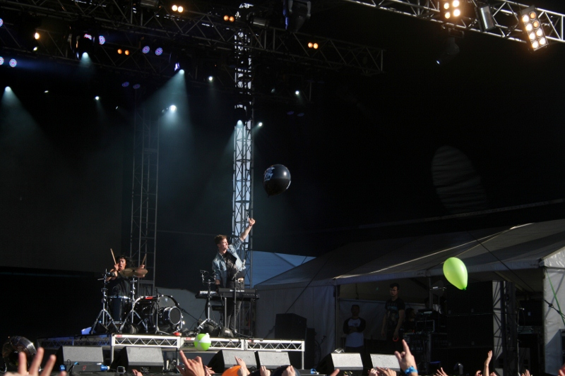 Brooklyn Duo, Matt and Kim, commanded the crowds attention with high energy and great production