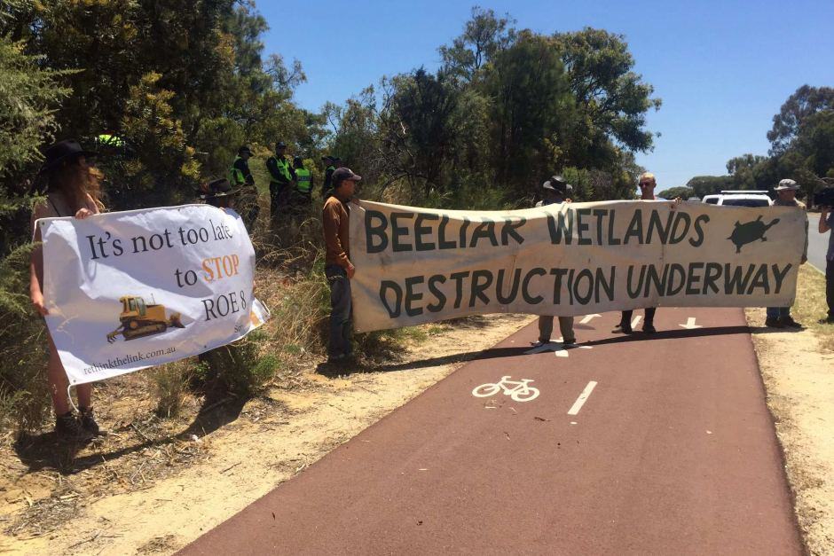 Protestors at Beeliar Wetlands during land clearing and investigation works