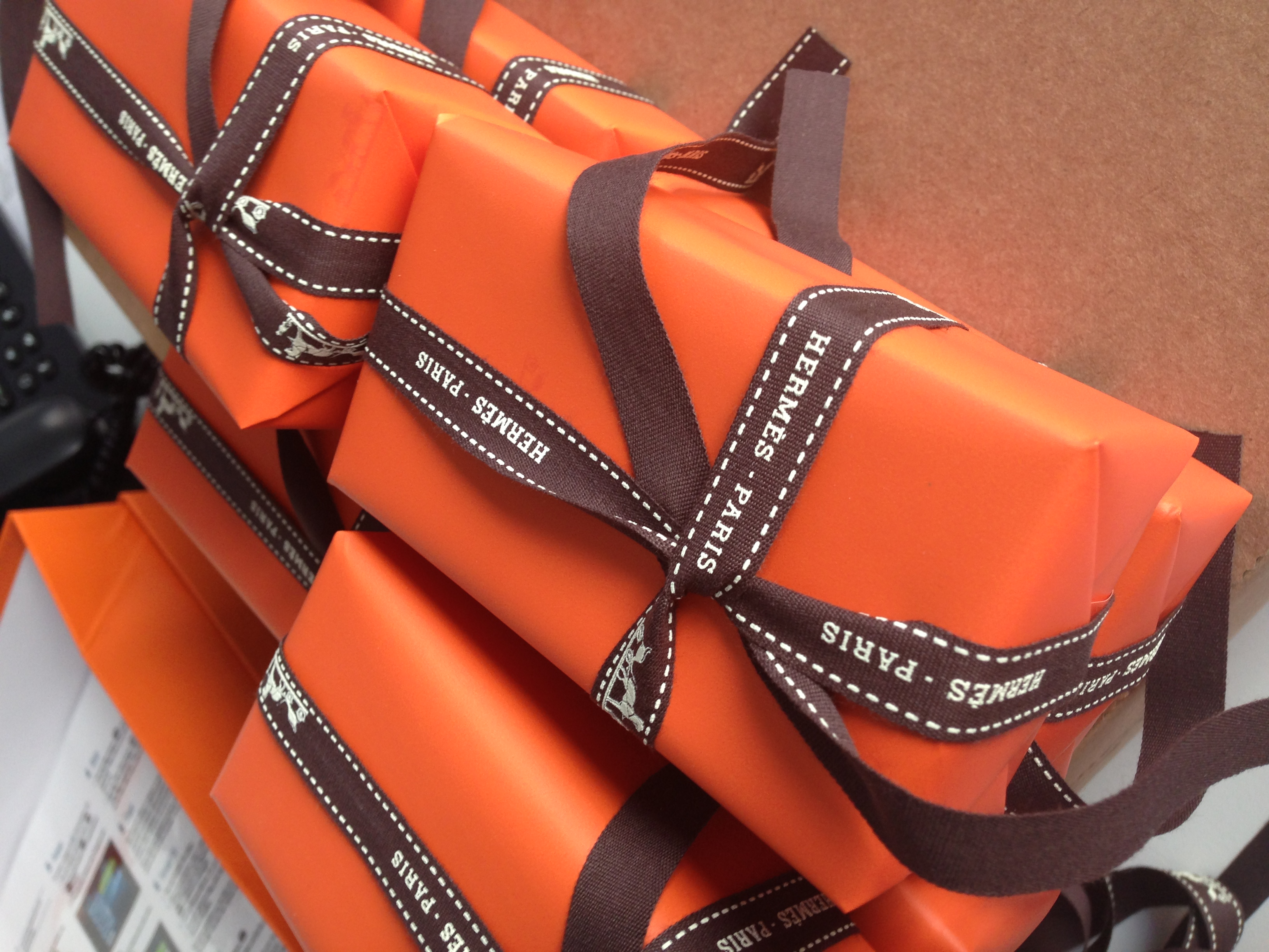 Burnt orange paper & the dark brown ribbon compliment each other so well!