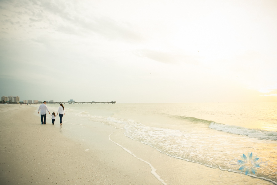 11_20_13 Clearwater Beach Family Session_0002.jpg