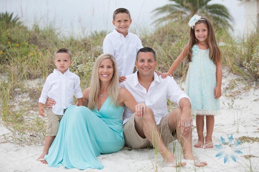 9_6_15 Sand Pearl Family Portraits_0001.jpg