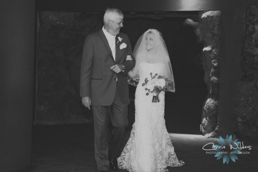 7_15_16 Florida Aquarium Wedding_0011.jpg