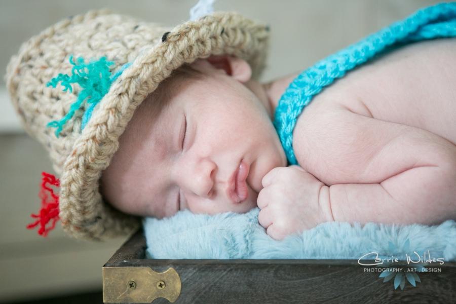 8_26_16 Tampa Lifestyle Newborn Portraits_0003.jpg